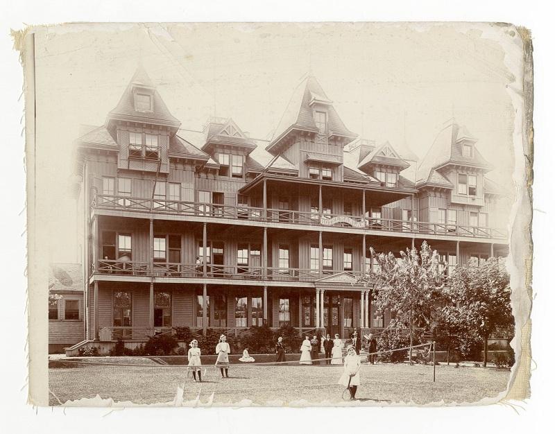 Hanlan, Hotel (1880-1909), Hanlan's Point