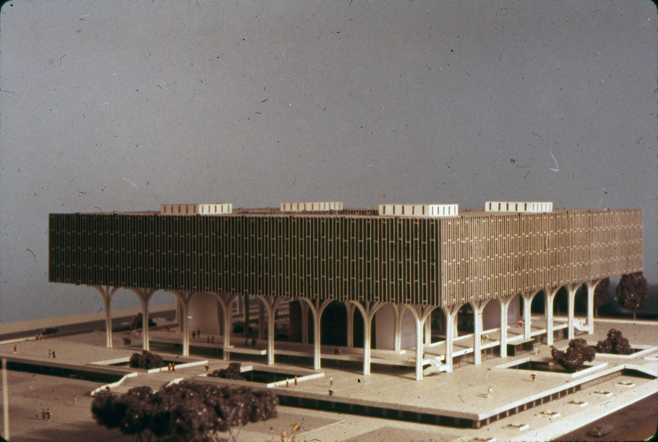 Perkins & Will entry, City Hall and Square Competition, Toronto, 1958, architectural model