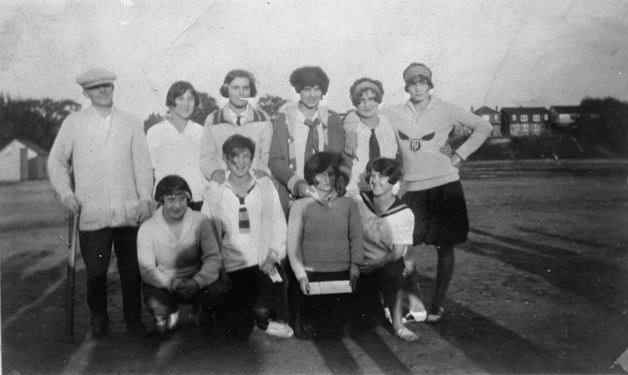 Roselawn Girls Baseball Team in Eglinton Park