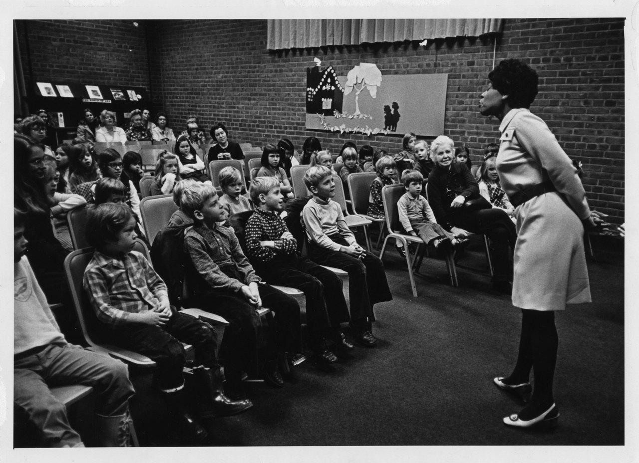 Rita Cox telling a story